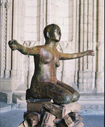 Kiki Smith, Pyre Woman Kneeling, 2002. Bronze et sili-bronze, 94 x 154,9 x 83,8 cm, courtesy Galleria Raffaella Cortese, Milan, photographie François Halard
