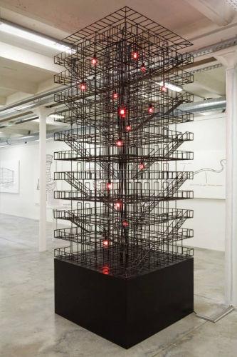 Atelier Van Lieshout, Minimal Steel with Red Lights, 2008