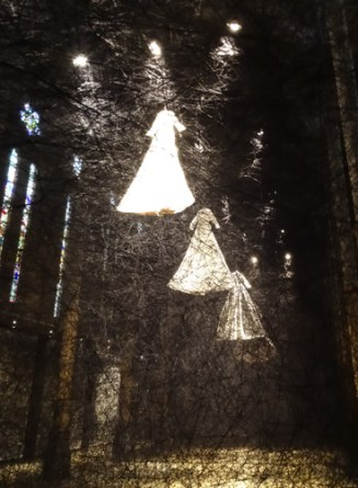 Chiharu Shiota, After the Dream 2013 au Carré Sainte Anne, Montpellier