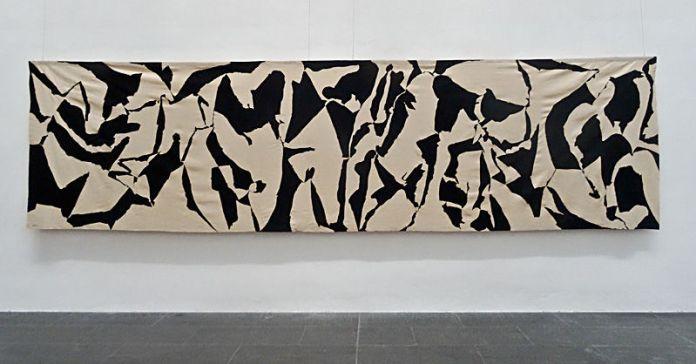 Albert Ayme, Le dialogue sans fin, 1962, Peinture vinylique sur toile sans châssis - Musée Fabre, 2014