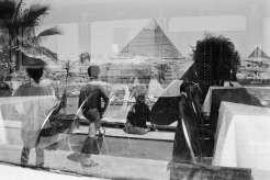 Denis Roche, 14 avril 1997, The Sphinx House, Gizeh, Egypte - 40x50cm © Denis Roche