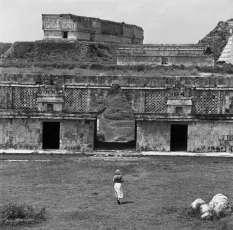 Denis Roche, 27 juillet 1978, Uxmal, Mexique - 40x50cm © Denis Roche