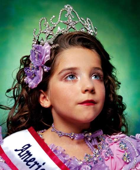 Andres Serrano, America (Jewel-Joy Stevens, America Little Yankee Miss), 2003. Collection Lambert