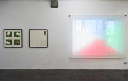 Ross Hansen, Diagrammic models, 2013 et Documentation of a missing drawing, 2013. - Se souvenir des Belles Choses, vue de l'exposition au MRAC Sérignan