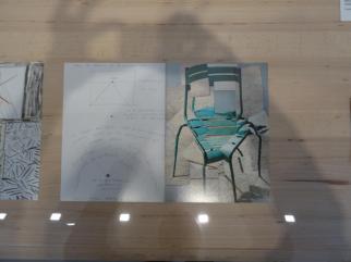 David Hockney, Chaise, Jardin du Luxembourg, Paris, 1985. L'Arrivée du printemps. Vue de la salle d'exposition -Fondation Vincent van Gogh Arles