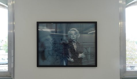 Les Possédés - Chapitre 2 - Pierre Bismuth, Following the right hand of - Marlene Dietrich in « Witness for the Prosecution », 2005, photographie, feutre sur plexiglas, 115 x 155 cm. Collection Pailhas.