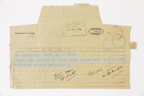 Télégramme attestant de la reconduction de Genet à l'hospice dépositaire de l'Assistance publique de Marseille, 17 février 1926. © Archives de Paris - 1926 - D5X4 2970 n°105