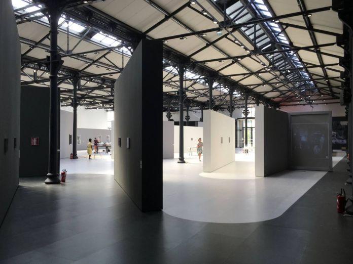 Philippe Rahm, Luminance, Scénographie pour Systematically Open - Fondation LUMA Arles - La Mécanique Générale, au Parc des Ateliers, Arles ( Image Philippe Rahm architectes )