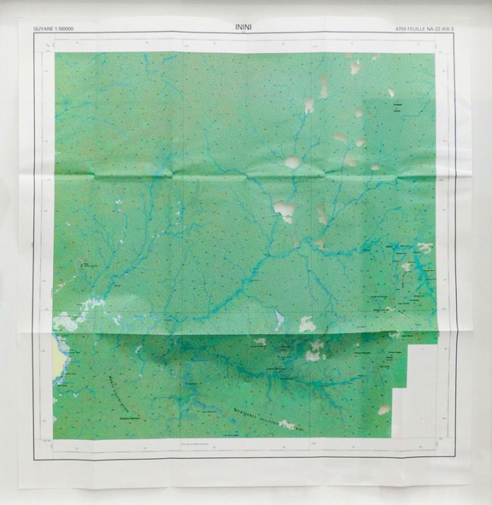 Julien Discrit, Terrae Incognitae- Inini, 2015, carte ajourée, 80 x 80 cm (Galerie Anne Sarah Bénichou)