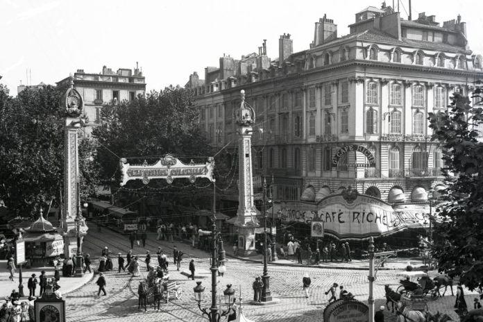 Fernand Detaille, Café Riche, Marseille, à l'angle de la Canebière et du Cours Saint-Louis, photographie de 1906 © Fonds Gérard Detaille