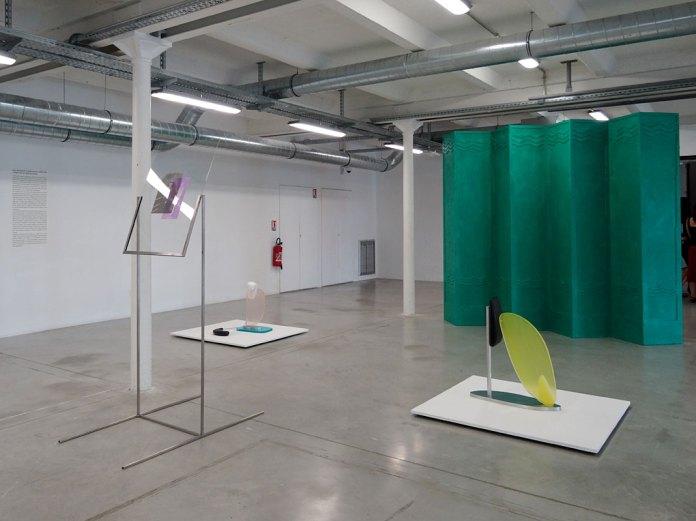 """Raoul Reynolds: une rétrospective, """"Des matériaux innovants, vers une approche du Minimalisme """" Vue de l'exposition à la Friche la Belle de Mai."""