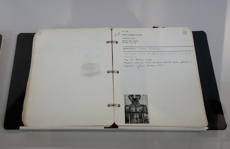 Classeur-Fascicule I, 1942-sept 1943 - L'outil photographique Rencontres Arles 2017