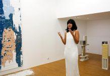 Manoela Medeiros, Falling Walls à la Double V Gallery