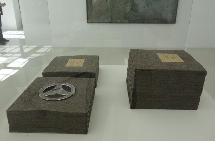 Joseph Beuys, «Ja, ja, ja, ja, nee, nee, nee, nee, nee», 1969