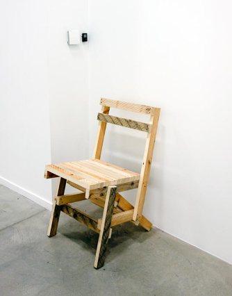 Chaises construite selon les instructions de «Proposta per un autoprogettazione»
