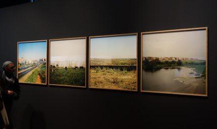 Ymane Fakhir, L'arrivée, Les vaches, Route El Jadida, L'aéroport d'Anfa, 2006-2007 - Connectivités au Mucem - La Méditerranée aujourd'hui