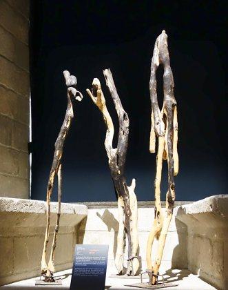 Amahiguere Dolo, Verticalités V, 2008. Les Eclaireurs - Salle du Consistoire, Palais des Papes