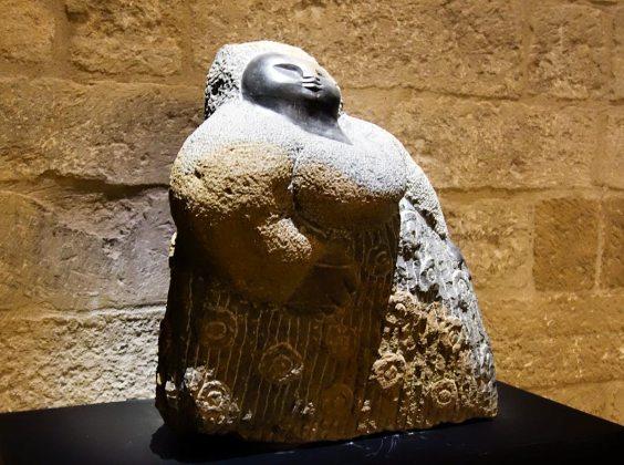 Colleen Madamombe, Proud woman, 2005. Les Eclaireurs - Salle du Consistoire, Palais des Papes