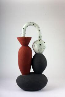 Daphne Corregan, Communicating vessels, 2017. Grès. 57 x 26 x 50 cm - Shapes, Body and Soul - Double V Gallery