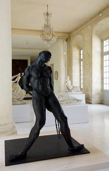 Ousmane Sow, La danseuse aux cheveux courts, 1985. Les Eclaireurs - Musée Calvet
