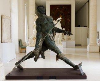 Ousmane Sow, Le lanceur Zoulou, 1990-1991. Les Eclaireurs - Musée Calvet
