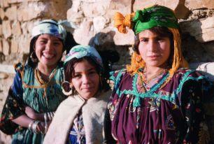Khadidja, Yyamina et Ysya, Nouader, 1958-1959 © Claude Cornu