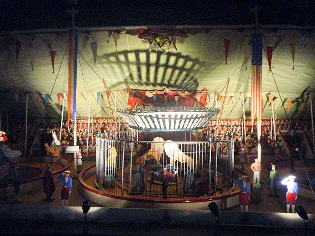 Maquette du cirque Berger - L'Universal Circus Pir'Ouett - Vue de l'exposition au Mucem Fort Saint-Jean, ,2013