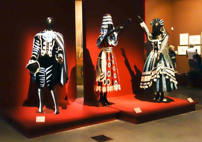 Ballet Tricorne, Costumes - Picasso et les Ballets russes, entre Italie et Espagne au Mucem