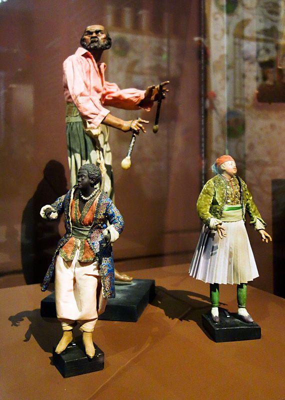 Garçon au bustier amarante, Joueur de tambourin et Personnage de crèche - Picasso et les Ballets russes, entre Italie et Espagne au Mucem