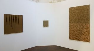 Kim Tschang-Yeul - L'Événement de la nuit à la chapelle du Méjan – Arles -Vue de l'exposition, niveau 0 - deuxième chapelle à gauche