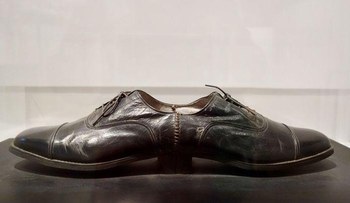 Ai Weiwei, Chaussure pour un homme, 1987 – Exposition Fan-Tan au Mucem