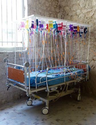 Dominique Zinkpè, Lit d'hôpital -Lettre ouverte à la Poste Colbert, Marseille