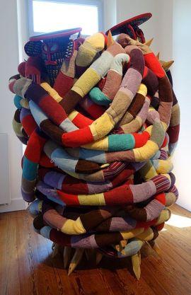 Pascale-Marthine Tayou, Africonda, 2014 - Exposition Tissage - Tressage à la Villa Datris - Identités textiles