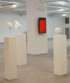 Judith Hopf, Trying to build a mask out of..., 2012-2013 - La complainte du progrès au MRAC - Vue de l'exposition