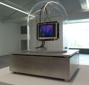 Lynn Hershman Leeson, Synthia Stock Ticker, 2000-2002 - La complainte du progrès au MRAC - Vue de l'exposition