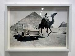 René Burri, Voiture Ramses, Egypte,1962 - Les pyramides imaginaires aux Renconres Arles 2018