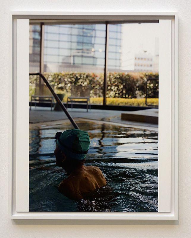 Wolfgang Tillmans, Tokyo Swimmer, 2014 - Qu'est-ce qui est différent à Carré d'Art – Nîmes - Vue de l'exposition - Salle 4