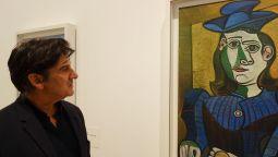 Jean-Marc Prevost devant Buste de femme au chapeau bleu, 7 mars 1944