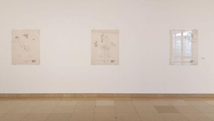 Picasso - Le temps des conflits - Carré d'Art - Nîmes - Vue de l'exposition - Salle 1 : Gabriel Borba Filho - Petit Mobilier Brésilien (Biennale de Paris), 1977