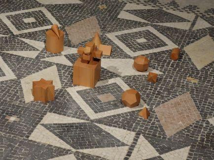 Raphaël Zarka - Projet de monument pour un jardin écossais (d'après Joshua Kirby), 2018 - Spolium Site archéologique Lattara – musée Henri Prades