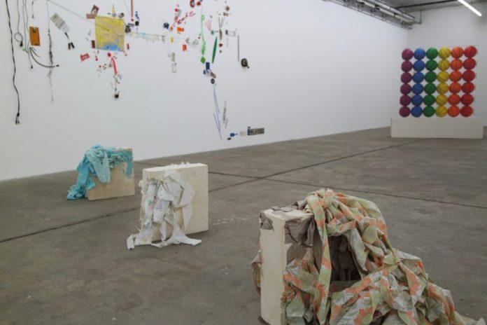 Extension de la pratique des idées à la Friche la Belle de Mai - Vue de l'exposition - Photo © Art+ Maud Chavaillon