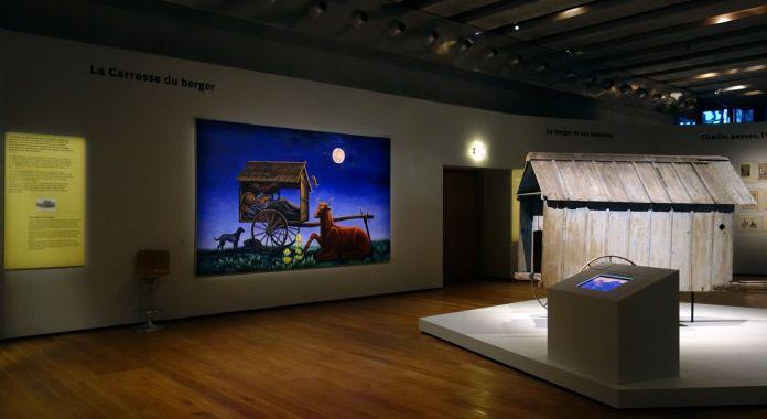 Georges Henri Rivière Voir, c'est comprendre au Mucem - La carrosse du berger - Vue de l'exposition