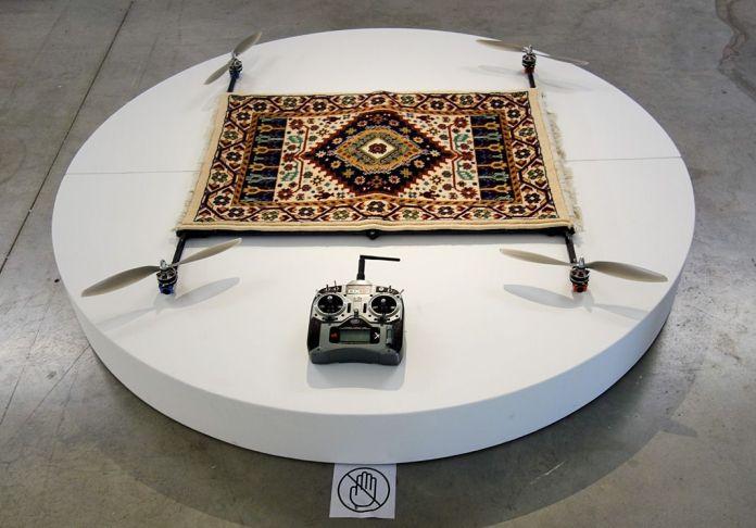 Moussa Sarr – Rising Carpet – Supervisions - Des tentatives d'envol au regard vertical - Biennale Chroniques - Friche la Belle de Mai