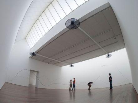 Zilvinas Kempinas (LIT)- Airborne - Musée Tinguely, Bâle, 2013