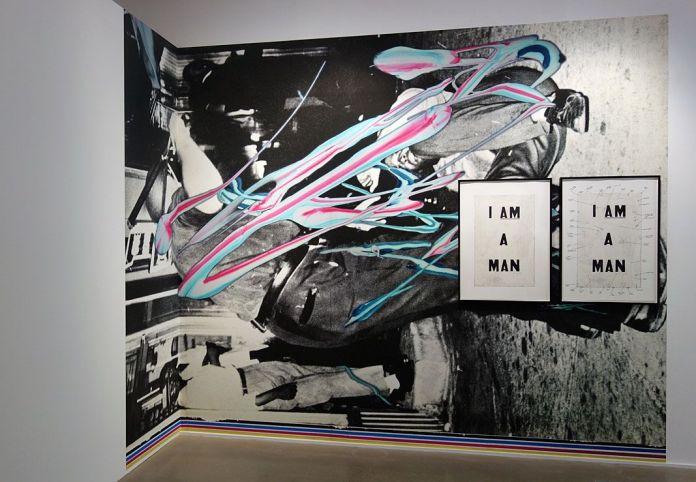 Picture Industry - Luma Arles - Deuxième partie - Kelley Walker , Aquafresh plus Crest with Scope, 2003 et Glenn Logon, Condition Report, 2000