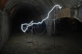 Pierre Malphettes - Blanc néon - Cryptoportiques à Arles en 2012