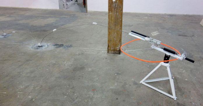 Jean-Charles Bureau - La machine à ricochet, 2019 - Ébauche du silence – HLM Hors Les Murs, Marseille – Photo En revenant de l'expo!
