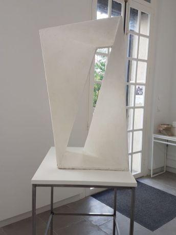 Sans titre [Nœud de Moebius], 2010-2016, polyester, 82 x 51 x 34 cm