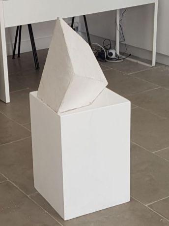 Sans titre [anamorphose], 2006-2010, métal, plâtre, 81 x 55 x 27 cm