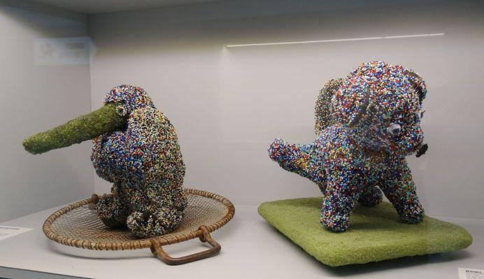 Béatrice Arthus-Bertrand - Le Manchot, 2016 et Le I dog, 2017 - Bêtes de scène à la Villa Datris - Hybrides et mutations